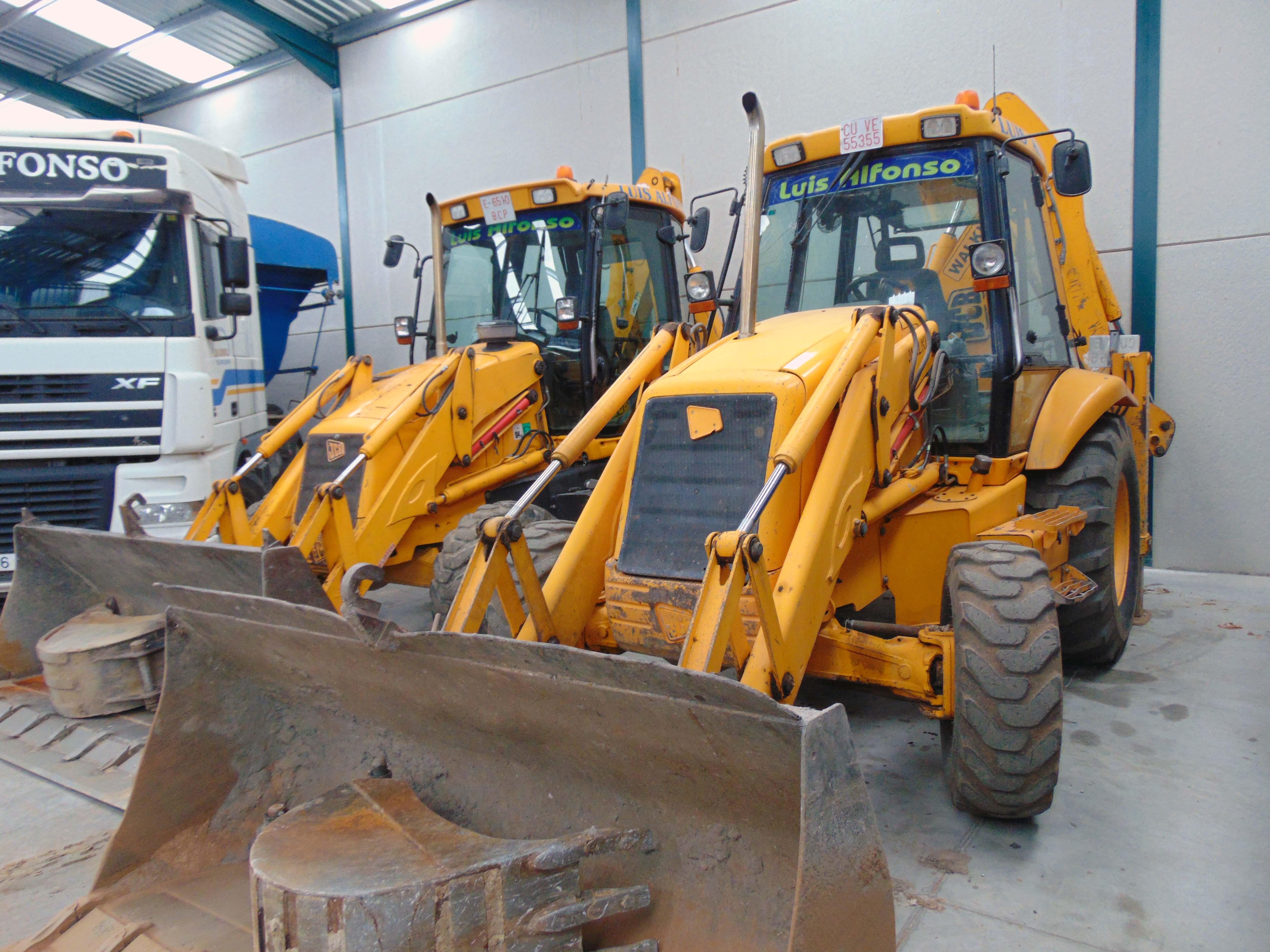retroexcavadoras para excavaciones derribos y movimientos de tierra