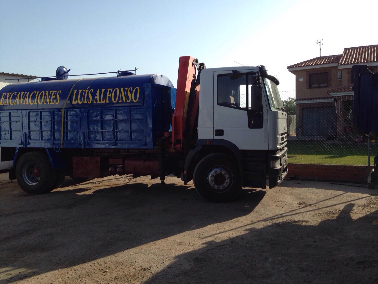 camión grúa para acoplamiento de cisterna